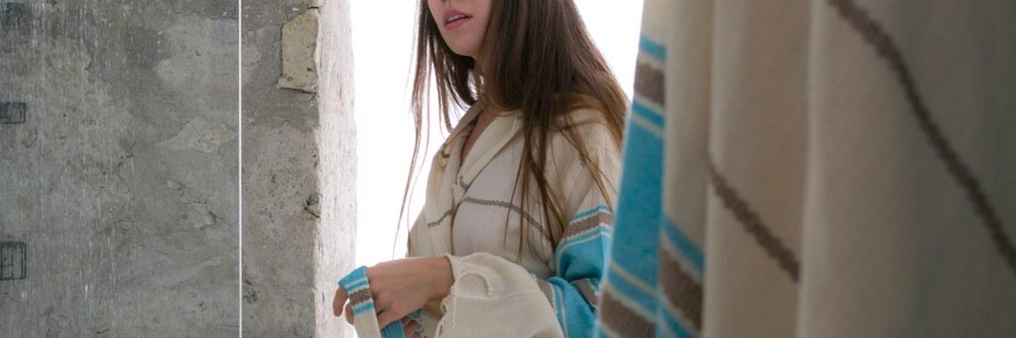 Veronica Robe